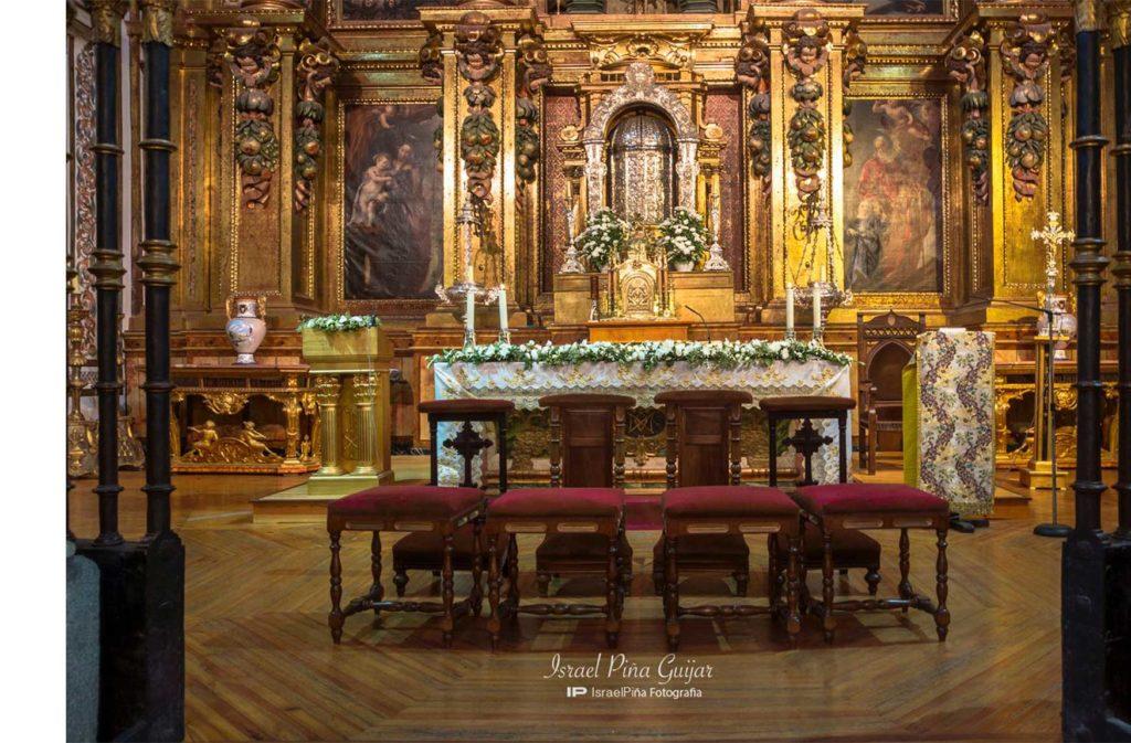 Decoración Altar Iglesia - Taller Floral Blumenaria