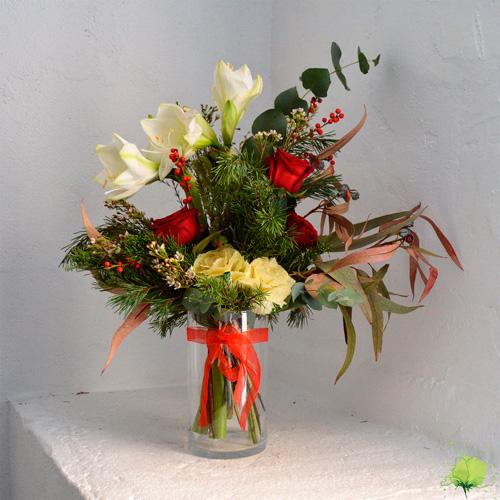 Ramo de flores naturales formal para navidad blumenaria for Como hacer adornos con plantas naturales